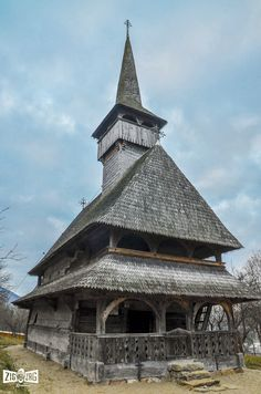 Bărsana medieval wooden church, Unesco, Maramures, Romania, www.romaniasfriends.com Ukraine, Romanian People, Places To Travel, Places To Visit, Carpathian Mountains, Cathedral Church, Old Building, Eastern Europe, Historical Photos