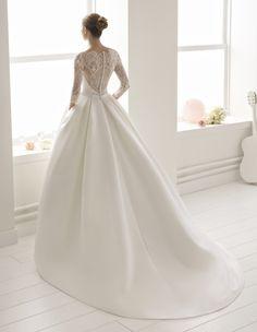 Robe Bolonia #collection 2018 #airebarcelona ! #robesdemariee #robes #wedding #weddingdress #dress #bridal #mariée #mariage