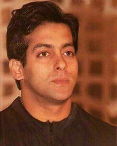 Salman- in the younger years. Bollywood Photos, Bollywood Stars, Salman Khan Wallpapers, Salman Khan Photo, Movie Teaser, Francisco Lachowski, Jessica Jung, Akshay Kumar, Boys Over Flowers