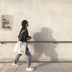 lifestyle chill lifestyle aesthetic aesthetics korean japanese aesthetic beige streets clothes korean style beige aesthetic ethereal minimalistic café coffee tiramisu walking grunge gardens street sings light soft pastel r o s i e Korean Fashion Trends, Korean Street Fashion, Korea Fashion, Asian Fashion, Look Fashion, Fashion Guide, Fashion Fall, Fashion Men, Korean Aesthetic