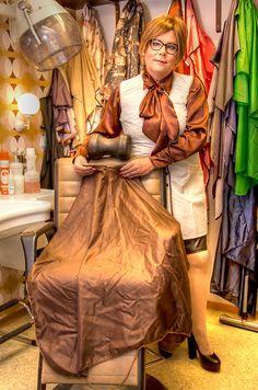 Hairdressers, Cut My Hair, Princess Zelda, Disney Princess, Barber Shop, Disney Characters, Fictional Characters, Lowboy, Apron