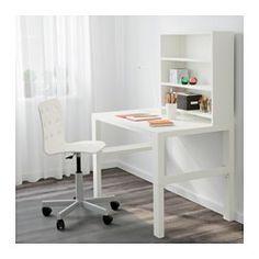 IKEA - PÅHL, Schreibtisch mit Aufsatz, weiß, , Dreifach höhenverstellbar - wächst mit dem Kind.Der Schreibtisch lässt sich durch Knöpfe an den Beinen mühelos in drei verschiedene Höhen einstellen (59, 66 oder 72 cm).In den Fächern zwischen den vorderen und rückwärtigen Schreibtischbeinen lassen sich Kabel und Mehrfachsteckdosen ordentlich unterbringen.Der rückwärtige Einsatz kann mit der grünen oder der weißen Seite nach vorne genutzt werden und passt sich so dem Stil und der Einrichtung an.