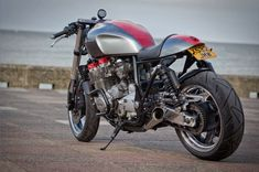 """Yamaha Cafe Racer """"The Widow Maker"""" by Old Skool Customs Yamaha Cafe Racer, Moto Cafe, Cafe Bike, Cafe Racers, Bobber Custom, Custom Cafe Racer, Cafe Racer Build, Retro Motorcycle, Cafe Racer Motorcycle"""