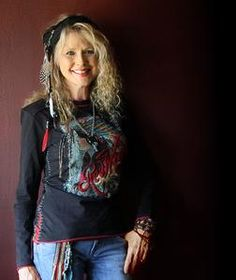 """Becky Hobbs, country music singer/songwriter.....from Bartlesville, OK.....She is a citizen of the Cherokee Nation and is a 5th generation descendant of Nancy Ward, """"Nanyehi"""" (""""Beloved Woman of the Cherokee"""") 1738-1822"""