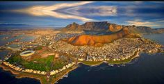 Cape Town, South Africa, is a small city with cultural influences from all over, creating one of the most cosmopolitan places in the world. Pretoria, Parc National Kruger, Africa Day, Le Cap, Les Religions, Cape Town South Africa, Most Beautiful Cities, African Safari, Zimbabwe