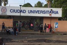 El Consejo General del Sindicato de Profesores de la Universidad Michoacana acordó suspensión de actividades desde las 9:00 horas; la toma de CU; una marcha desde las oficinas del SPUM ...