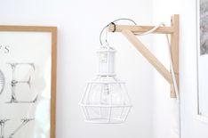 IKEA-hack: Häng upp lampan på en konsol