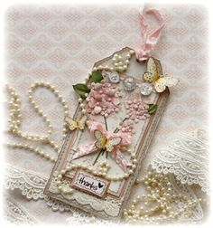 How gorgeous is this!!!  And Gabrielle has a wonderful tutorial on how to make the flowers!