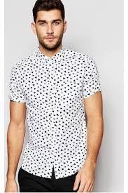 866e42157b6bd Camisas estampadas para hombre  camisa  estampada  hombre  chicos  chico   ideas  tips  como  llevar  flores  verano  primavera  moda