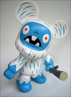"""Toy046 """"8 Inch Qee Yeti Bear"""" from Gama-Go by Tim Biskup / (2006) / Limited edition 500 ud. / #Toy"""