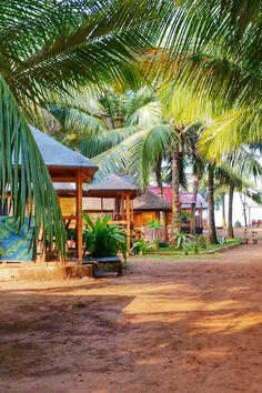 South Goa beach huts in Agonda Beach. Best things to do in Agonda. Near Palolem. Best beaches in Goa. Backpacking India travel destinations trip itinerary tips Goa Travel, Travel Destinations, Beach Travel, Ocean Photography, Travel Photography, Beach Background Images, Backpacking India, Culture Travel, Beach Trip