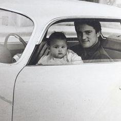 Беллуччи в день рождения: детский снимок с отцом http://aspnova.ru/kultura/belluchchi-v-den-rozhdeniya-detskiy-snimok-s-ottsom/ Одна из самых красивых итальянских актрис современности Беллуччи в свой день рождения разместила в Инстаграм на своей странице для фоловеров, и не только, семейное архивное фото.Монике исполнилось 52 года. В свой день рождения она разместила снимок, на котором она, маленькая Беллуччи, запечатлена вместе с отцом. Оказывается, отец и дочь родились в один день. Так…