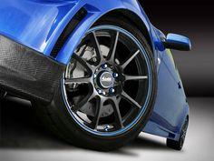 Uma das melhores formas para mudar o visual de um carro e deixá-lo com estilo próprio, é através do uso de rodas esportivas. Veja nossa seleção com 100 fotos de rodas esportivas #car #speed #supercars #carros #automoveis #veiculos #sportwheels #tyres #customwheels #wheels #tuning