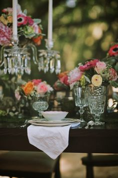 Vintage Glam Wedding Ideas | Mike Colon Photographers | See More:http://thebridaldetective.com/vintage-glam-wedding-ideas-mike-colon-photographers/