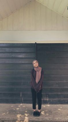 Modern Hijab Fashion, Street Hijab Fashion, Hijab Fashion Inspiration, Muslim Fashion, Aesthetic Fashion, Aesthetic Clothes, Fashion Outfits, Casual Hijab Outfit, Ootd Hijab