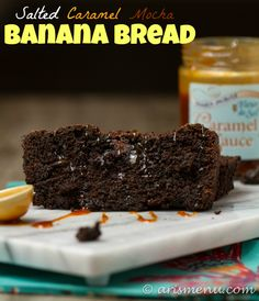 Salted Caramel Mocha Banana Bread: All the flavors of your favorite fall drink in an ultra soft and tender banana bread! {gf}