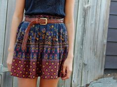 Printed skirt with a brown belt