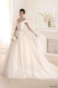 tarik-ediz-2014-bridal-collection-off-the-shoulder-v-neck-short-sleeve-a-line-wedding-dress-1-mimoza.jpg (600×900)