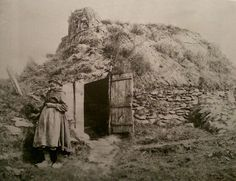 Welsh hovel and owner circa ** My Family History, Women In History, Ancient History, Old Pictures, Old Photos, Learn Welsh, Cottages Scotland, Welsh Cottage, Little Britain