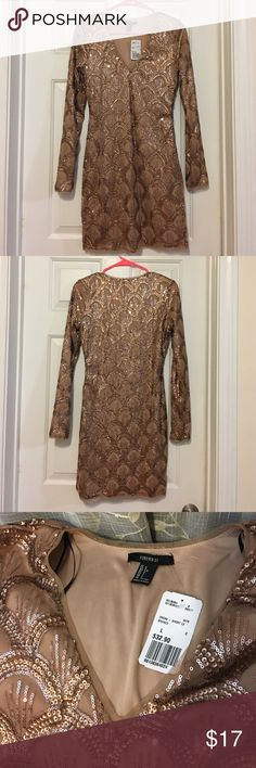 NWT Forever 21 sequined dress. Holiday 👗. Sequined party dress. Perfect 👌 for this New Year Celebration. NWT. Size L. Forever 21 Dresses Long Sleeve