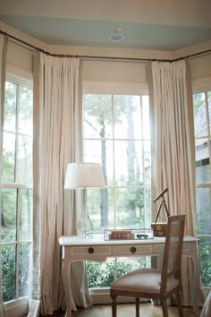 Summer House Style - bedrooms - bay window desk, desk bay window, desk in bay window, French desk, desk with cabriolet legs Bay Window Drapes, Window Desk, Bay Windows, Window Seats, Style At Home, My Living Room, Interior Design Living Room, Bay Window Dressing, Dressing Table