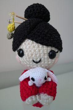 14-15 cm Bär oder Puppe für  ca Strickkleidchen Handarbeit! Miniatur