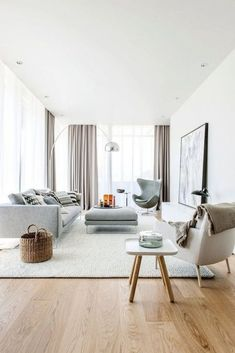 Minimalist living room with egg jacobsen chair #chair #accentchairs #livingroom