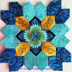 Previous Pinner: I'm still in love with the Patchwork of the Crosses blocks! A Quilt and A Prayer Patchwork Quilt, Hexagon Quilt, Quilt Block Patterns, Mini Quilts, Square Quilt, Quilt Blocks, Quilting Tutorials, Quilting Projects, Quilting Designs