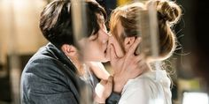 Watch Ji Chang Wook and costar Nam Ji Hyun fool around while filming their lengthy kiss scene http://www.allkpop.com/article/2017/06/watch-ji-chang-wook-and-costar-nam-ji-hyun-fool-around-while-filming-their-lengthy-kiss-scene