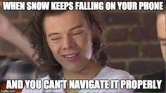 When snow keeps falling on your phone and you can't navigate it properly... 😂❄️😂❄️😂❄️ #harrystyles #funny #snowmeme #funny #memes #snow #meme #harry #styles #squinting #squinty #face #chicago