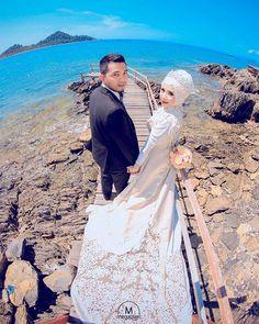 Oh wow ♥ Stunning photo by @megapixel_aceh from Indonesia ♥ Mua: @makeupbygadieza Wardrobe: @vinohairgallery . . . #indonesia  #prewedding #photographer #bridestory #prawedding #fotoprewedding #nikah #weddingku #thebridestory #weddingdress #hijabi #hijabsyari #hijabsyarie #weddingsyari #perkawinan #perkahwinan #resepsi #resepsipernikahan #hijabindonesia #hijabindo #pernikahan #akadnikah #hijabstyle #hijabstyleindonesia #muslim #hijabfashion #moslem #moslembride