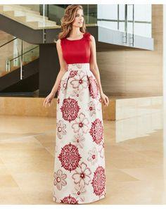 Juvenil vestido de fiesta largo con falda de vuelo y blusa de raso. Disponible en tu tienda online de vestidos de fiesta. Fabricado en España