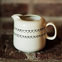SCALLOP HAND PAINTED CREAMER. VIA ETSY.