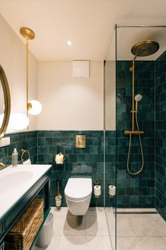 Beautiful bathroom at The Mozart Boutique Hotel Salzburg with a rainforest shower and aquamarine tiles Salzburg, Dream Bathrooms, Beautiful Bathrooms, Rainforest Shower, Bathroom Pictures, Corner Bathtub, Toilet, Mirror, Inspiration