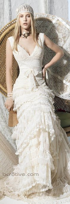New, sample and used YolanCris wedding dresses for sale at amazing prices. Browse our YolanCris wedding gowns and find your dream dress for less! Chic Wedding, Wedding Styles, Wedding Shot, Wedding Dj, Wedding Ideas, Ibiza, Bridal Gowns, Wedding Gowns, Bohemian Schick