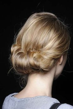 "I love myself a chignon – if done right, it can look incredibly chic and effortless. It's no wonder the word actually comes from the French phrase ""chignon du cou,"" which means nape of the neck. Retro Hairstyles, Twist Hairstyles, Wedding Hairstyles, Wedding Updo, Gorgeous Hairstyles, Hairstyles 2018, Summer Hairstyles, Chic Wedding, Elegant Wedding"