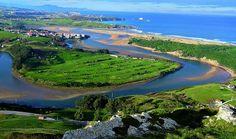 Liencres Piélagos (Cantabria) Por su gran tamaño y grado de naturalidad –fue declarada parque natural en 1986–, la de Liencres es la cornisa dunar más impactante de la costa cantábrica, con 33,5 hectáreas. La dunas están localizadas en la desembocadura del río Pas (Ría de Mogro), y de camino se atraviesan densos pinares.