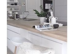 Biała kuchnia w skandynawskim stylu (50661)