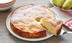 Gâteau invisible aux poires léger, recette d'un gâteau fruité très léger et ultra moelleux, parfait au petit déjeuner, comme collation ou pour le dessert.
