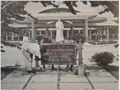 1960 -Tarja y estatua del presidente Trujillo en la Universidad Autónoma de Santo Domingo.