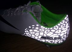 Nike Vapor Flash Pack Reflection I seriously want these Soccer Gear, Soccer Boots, Play Soccer, Nike Soccer, Football Boots, Soccer Stuff, Soccer Tips, Nike Cleats, Soccer Cleats