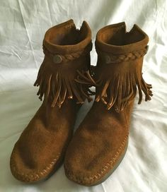 Minnetonka Moccasin Ankle Boot Size 8 Women's Suede Single Fringe Back Zip Brown #MinnetonkaMoccasin #AnkleBoots #Casual