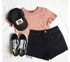 Summer Outfits 2018 Shorts many Summer Teenage Outfits For Sale for Cute Summer Outfits For Older Ladies Cute Casual Outfits, Short Outfits, Cute Outfits For Summer, Cute Summer Clothes, Earthy Outfits, Summer Ootd, Summer Winter, Black Outfits For Guys, Outfit With Black Shorts