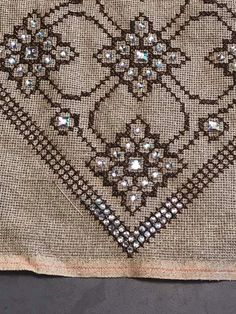 Hand Embroidery, Diy And Crafts, Brooch, Rugs, Handmade, Home Decor, Cross Stitch, Cross Stitch Designs, Dots
