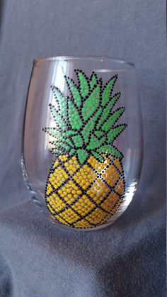 Tropical Glass bottle crafts pineapple Your place to buy and sell all things handmade Diy Wine Glasses, Painted Wine Glasses, Wine Glass Crafts, Wine Bottle Crafts, Wine Bottles, Glass Painting Designs, Italian Wine, Wine Gifts, Diy Painting