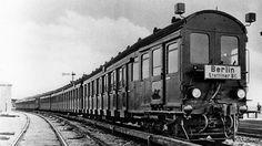 Versuchszug D in Bernau (Foto: Repro aus: Hundert Jahre deutsche Eisenbahnen; Berlin 1935)
