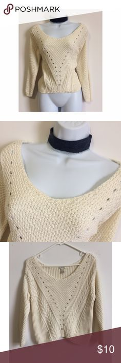 💛Forever 21 Cream Sweater💛 Love this sweater super cute, stylish and trendy! Gently Used! PRICE IS NOT FIRM OFFERS ACCEPTED UPON REQUEST...😊 Measurements: Armpit to Armpit: 17.5 Length: 21 This listing is Gently Used! Like new with NO FLAWS! Material: 55% Acrylic 45% Cotton Forever 21 Sweaters Crew & Scoop Necks