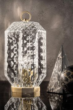 Classic table lamp in blown Murano glass, clear glass, golden base Lantern Lamp, Lanterns, Murano Glass, Classic Lighting, Perfect Marriage, Clear Glass, Wall Lights, Chandelier, Table Lamp