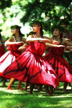 Graceful hula---Hawaiian tradition