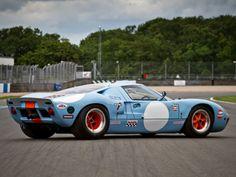660 best gt 40 images ford gt40 antique cars car ford rh pinterest com